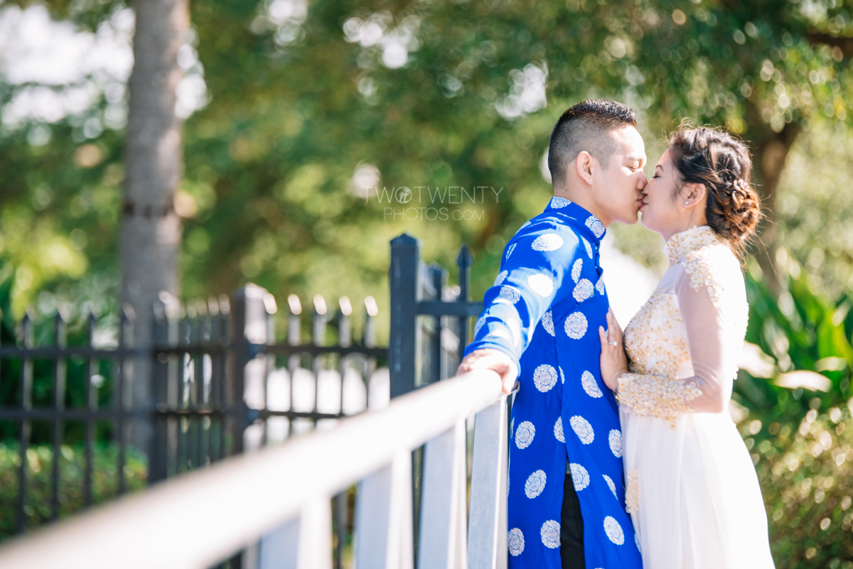 beauty and the best engagement photos-5