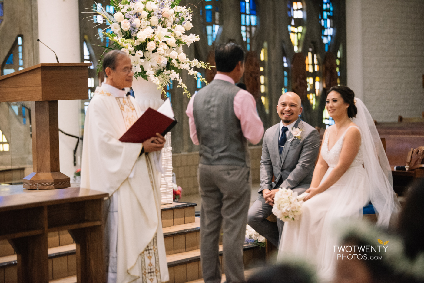 st-luke-church-stockton-sacramento-wedding-photographer_-11