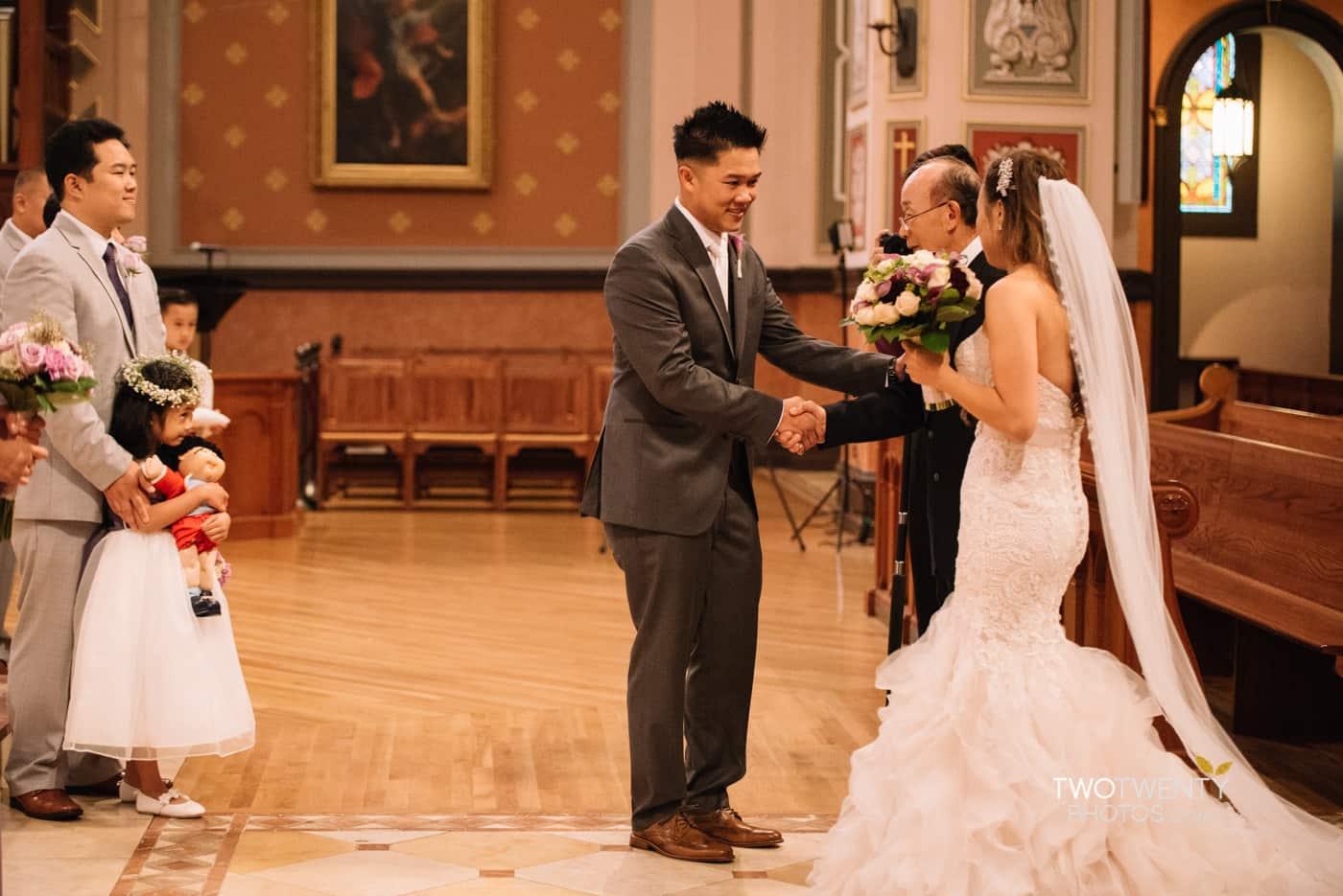 cathedral-of-the-sacred-sacrament-downtown-sacramento-wedding-photographer-11