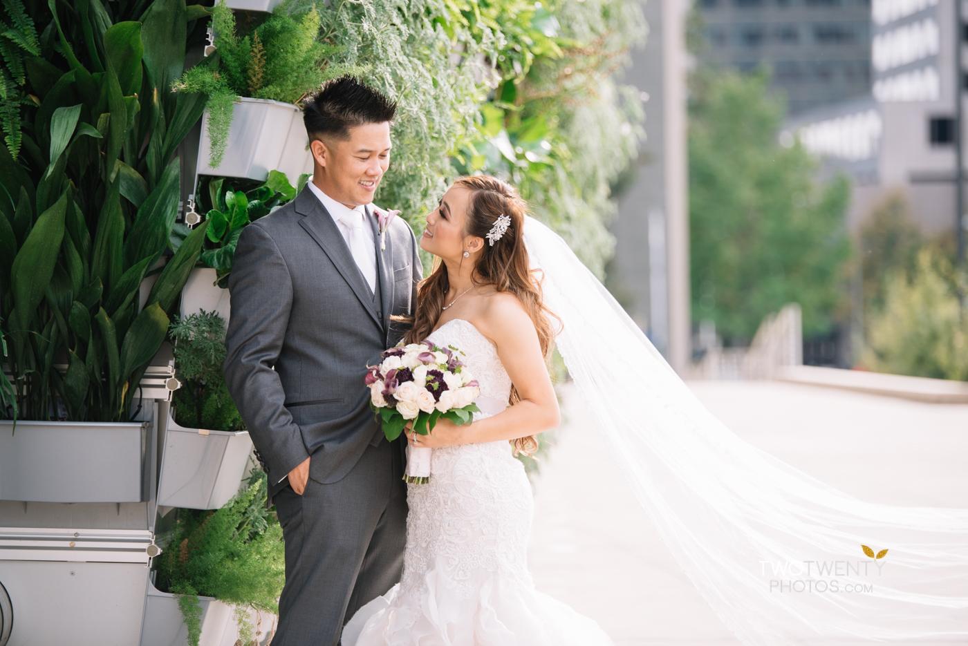 golden1-sacramento-kings-arena-wedding-photographer-19