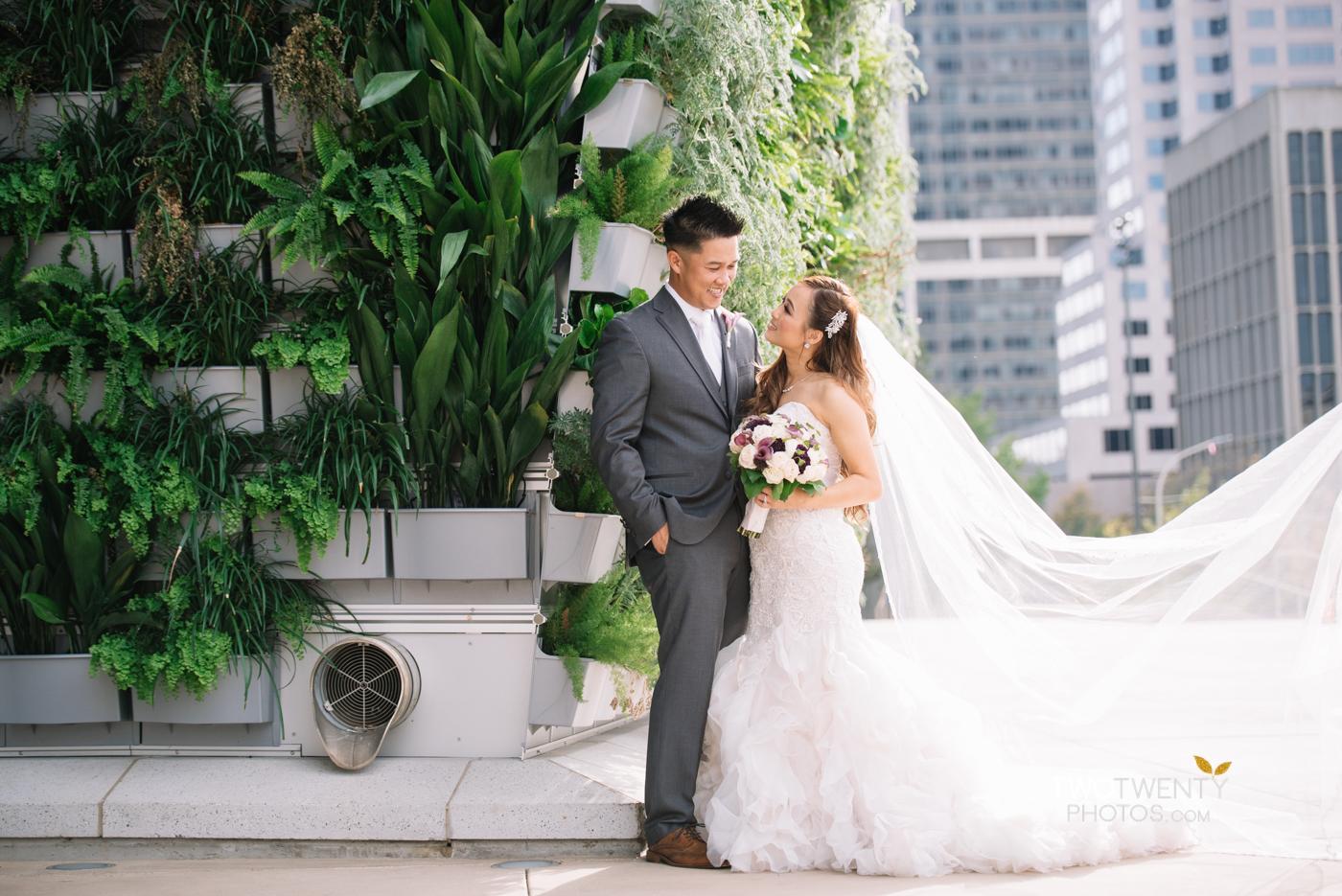 golden1-sacramento-kings-arena-wedding-photographer-21