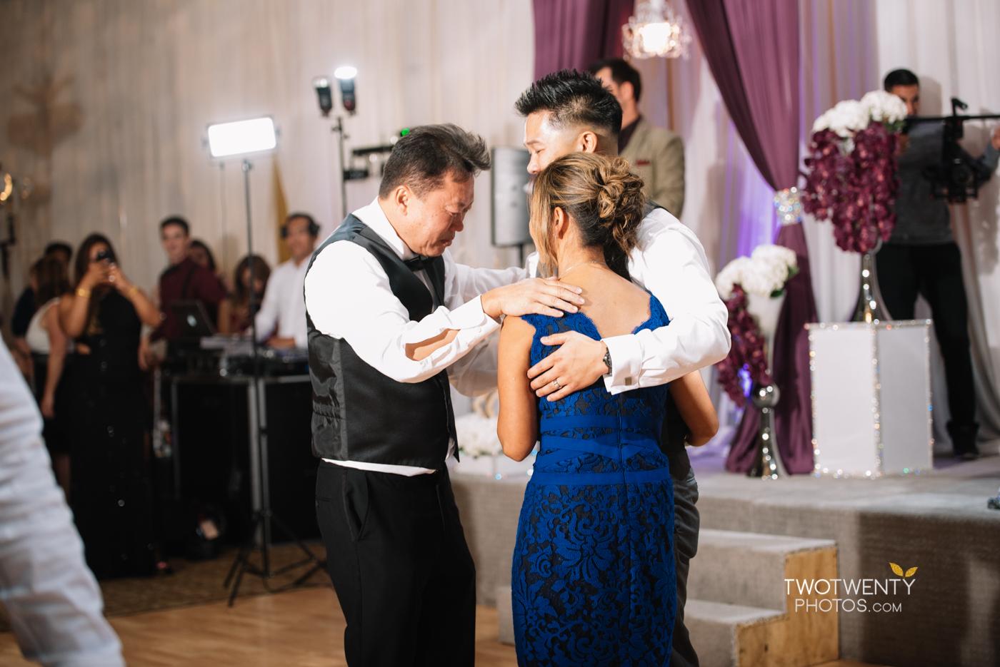 sacramento-wedding-photographer-king-palace-restaurant-35