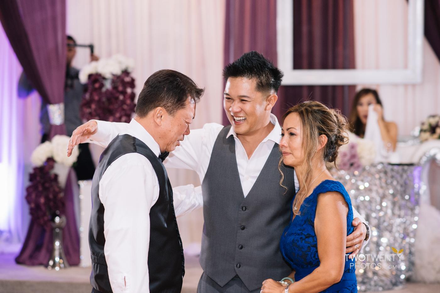 sacramento-wedding-photographer-king-palace-restaurant-36